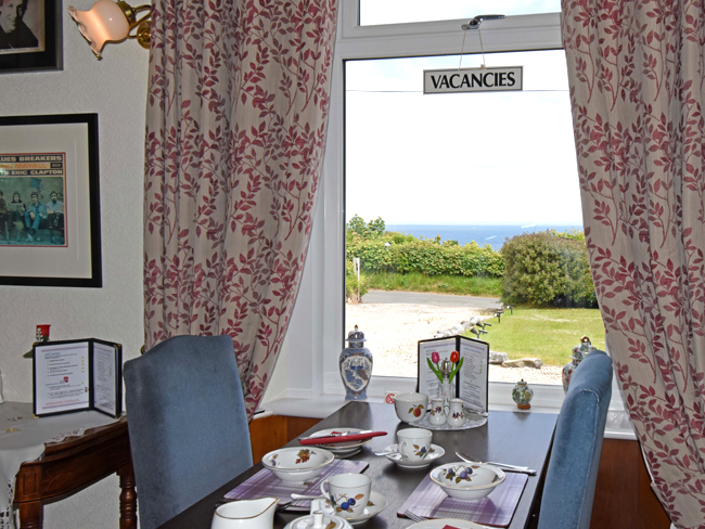 Viewbnak – Isle of Arran B&B Accommodation. Bed & Breakfast Guest House near Whiting Bay golf course with sea views